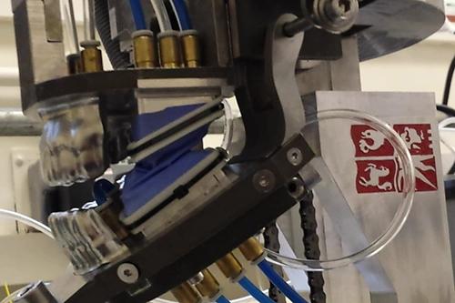 robotic jaw tests medicated gum